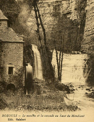 Cascade de Bozouls, Image d'Archive © Ed. Galabert