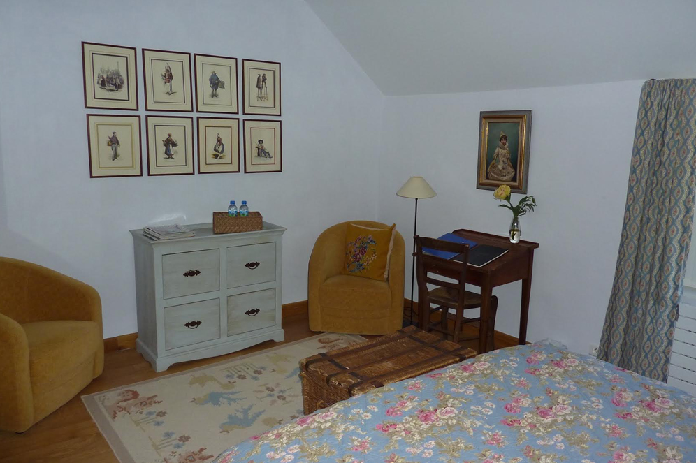 chambre_hotes_aveyron_les_coussoles_bureau